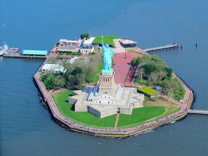 ニューヨーク ヘリコプター ツアー - 自由の女神