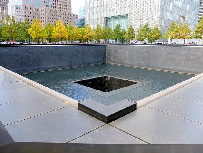 ニューヨーク 1日 市内観光 日本語ガイド 付き - 911メモリアル