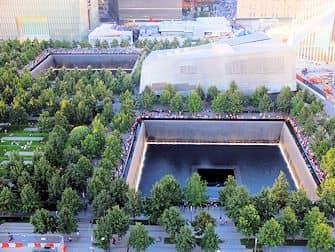 ニューヨーク 9/11メモリアル - 上から見たところ