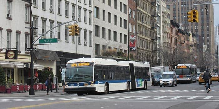 ニューヨークのバス-9番街のバス