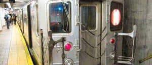 ニューヨークの地下鉄または「電車」