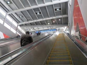 ニューヨーク PATH トレイン エスカレーター