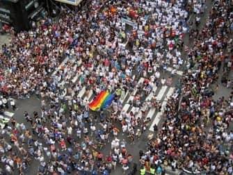ニューヨークのゲイプライド 人混み