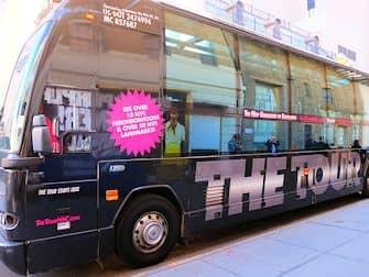 ニューヨーク ザ・ライド - ザ・ツアーのバス