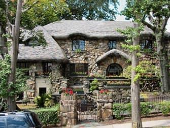 NYCピッツァツアー - ヘンゼルとグレーテルの家