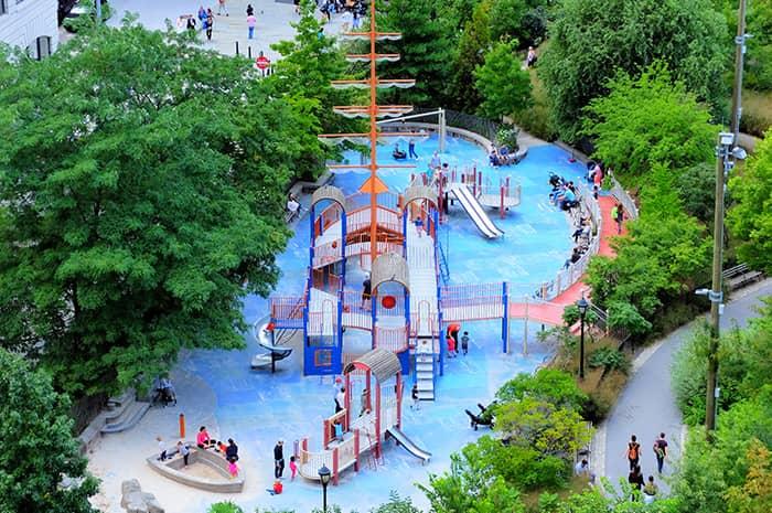 ニューヨークの子どもの遊び場・公園 - メインストリートプレイグラウンド