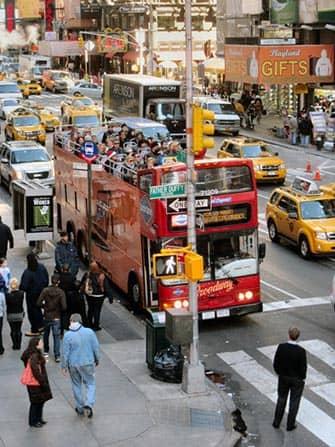 ニューヨーク ホップオンホップオフバス - グレイライン赤いバス
