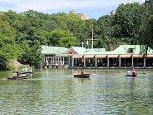 セントラルパーク 手漕ぎボート レンタル