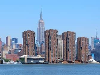 ニューヨーク NYCフェリー - エンパイアステートビル