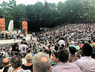 ニューヨーク シェイクスピア イン ザ パーク - 観客